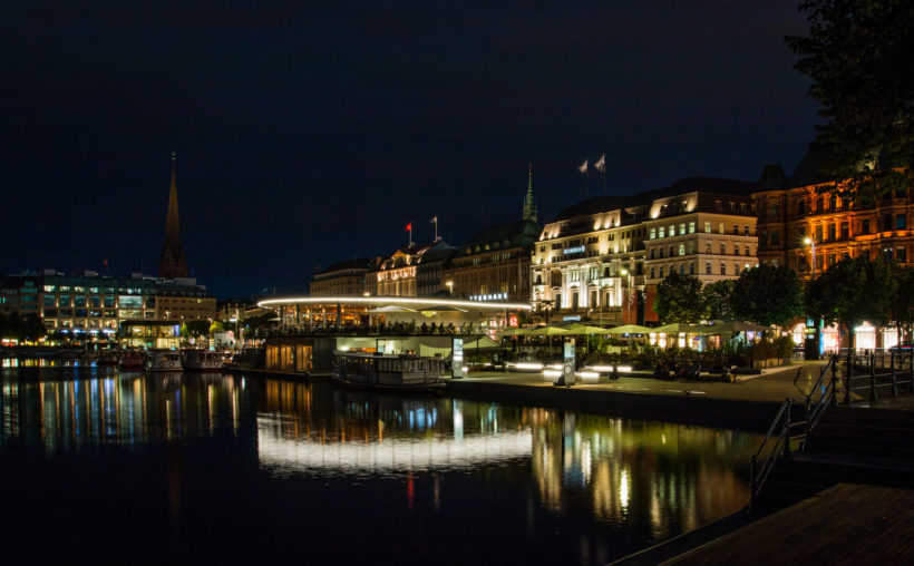 """Hamburg. Jungfernstieg."" photo by Max Stolbinsky"