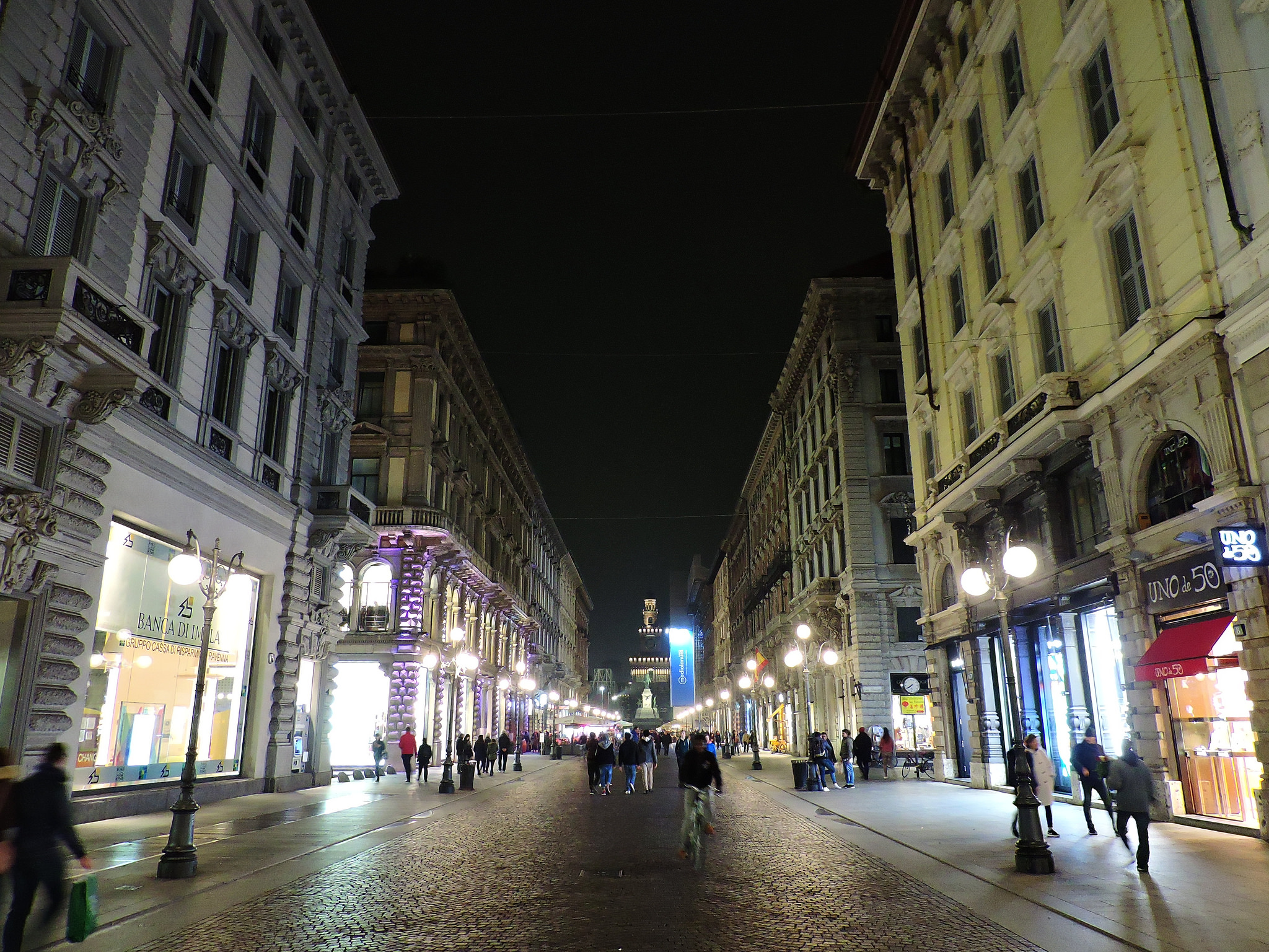 """Milano, via Dante"" photo by Dimitris Kamaras"